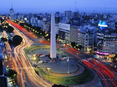 Passagens de ida e volta para Montevidéu ou Buenos Aires com 18 mil milhas