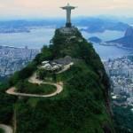 Rio de Janeiro flexibiliza isolamento e permite atividades na praia; Voos de ida e volta por R$ 229