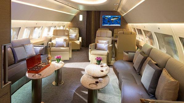 economia-transporte-aviao-emirates-jato-20130807-08-size-598