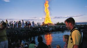 Chegada do Verão é celebrada com muita festa pelos Noruegueses