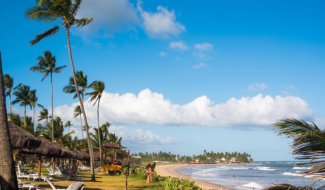 Dois resorts para você curtir o verão no litoral da Bahia