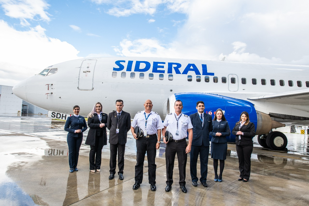 Image result for sideral linhas aereas Boeing 737-500