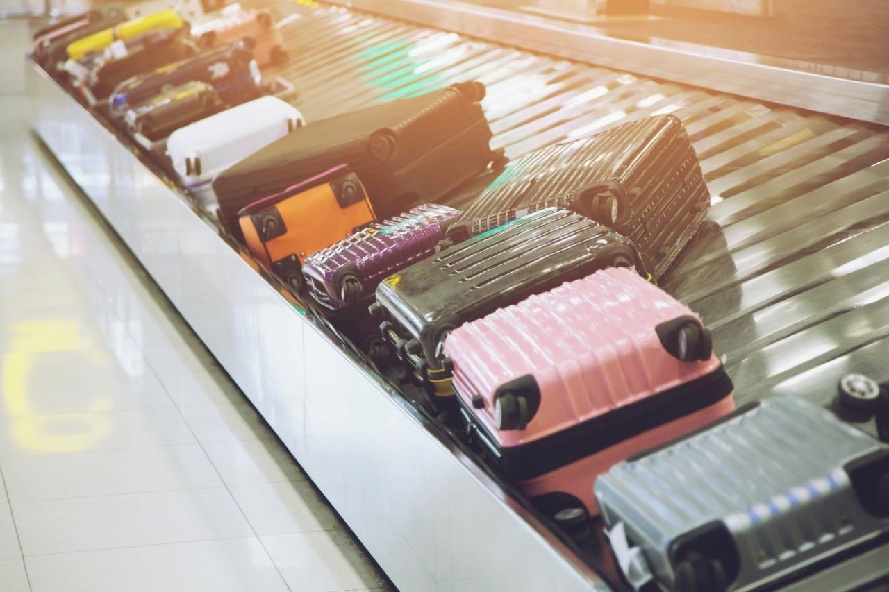 Viajou e teve problemas com a bagagem? Saiba quais são os seus direitos
