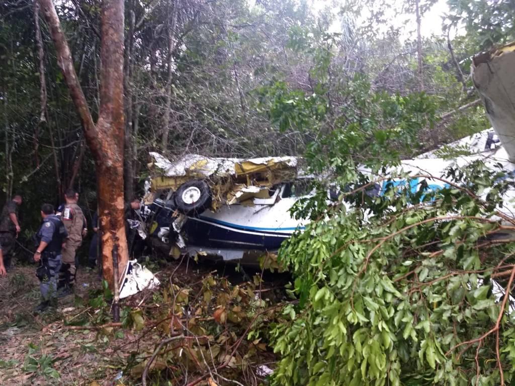 Avião da TwoFlex operado com a Gol cai em Manaus e 10 sobrevivem