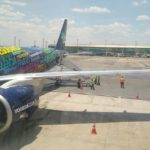 Azul realiza primeiro voo do Embraer 195 E2 e promete passagens aéreas mais baratas