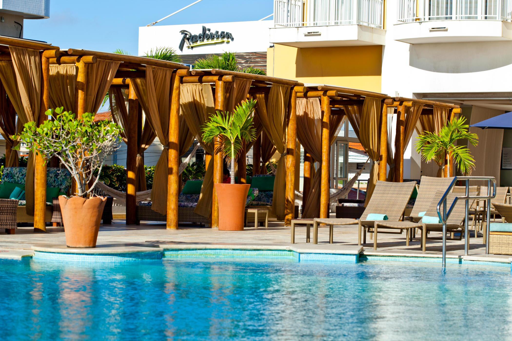 Curta o verão no litoral de Sergipe no Radisson Hotel Aracaju
