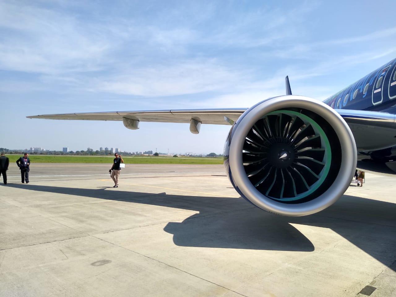 Azul vai aumentar número de voos para os EUA mesmo com a crise do coronavírus