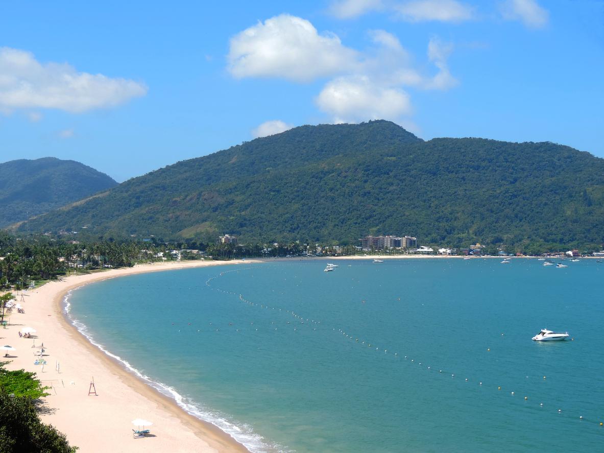 Praias desertas entre Caraguatatuba e Ubatuba e hospedagem no Hotel Port Louis