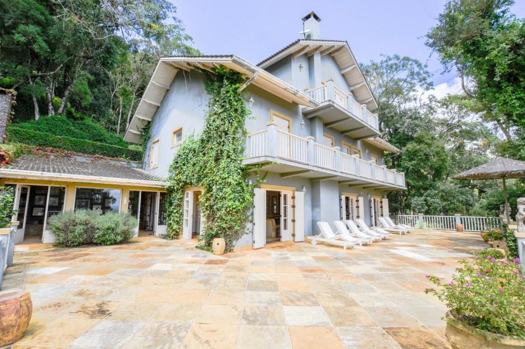 Villa Coração tem hospedagem colonial e casamentos em Monte Verde