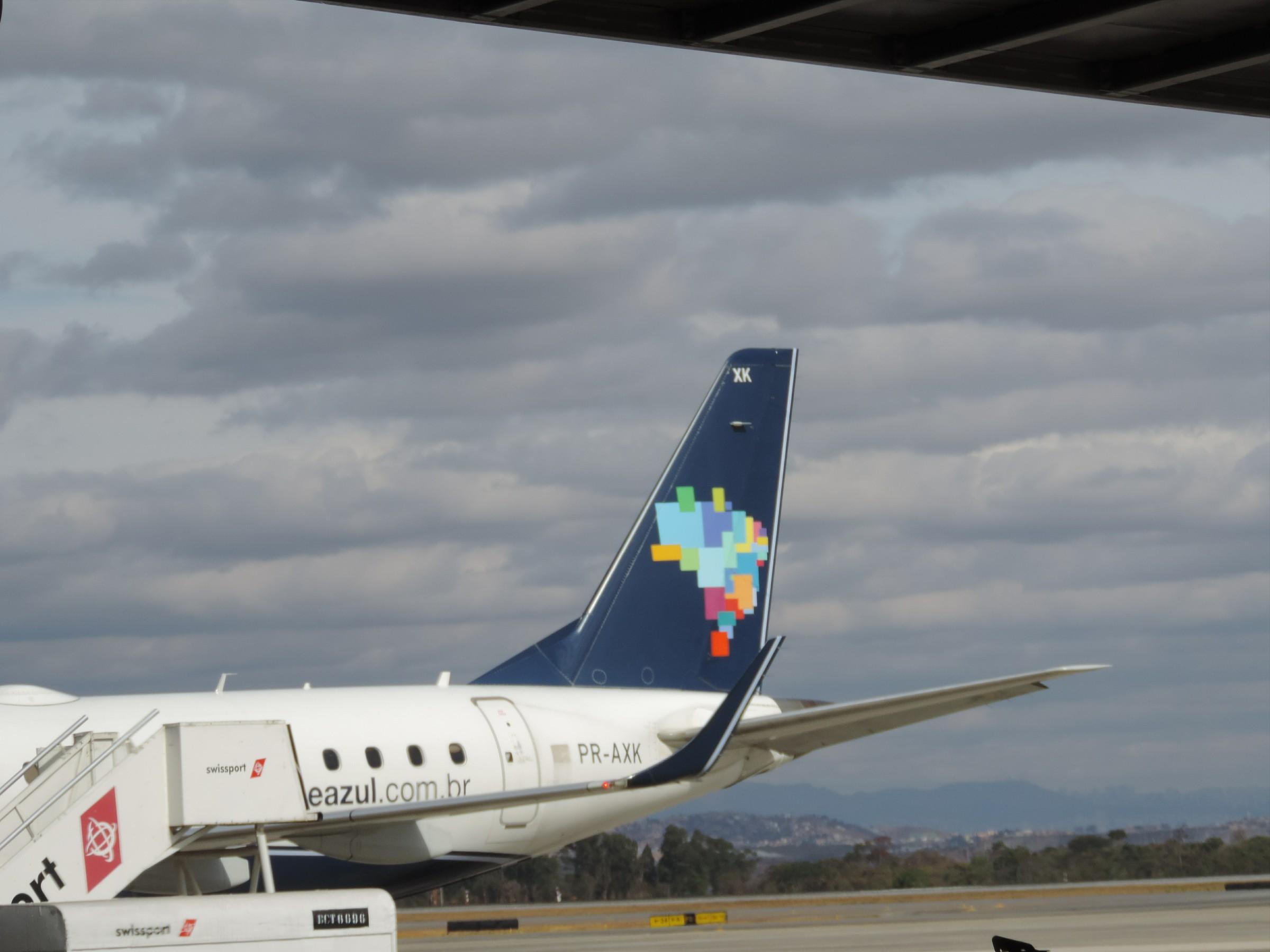 Viaje de avião entre São Paulo e BH pagando apenas R$ 278